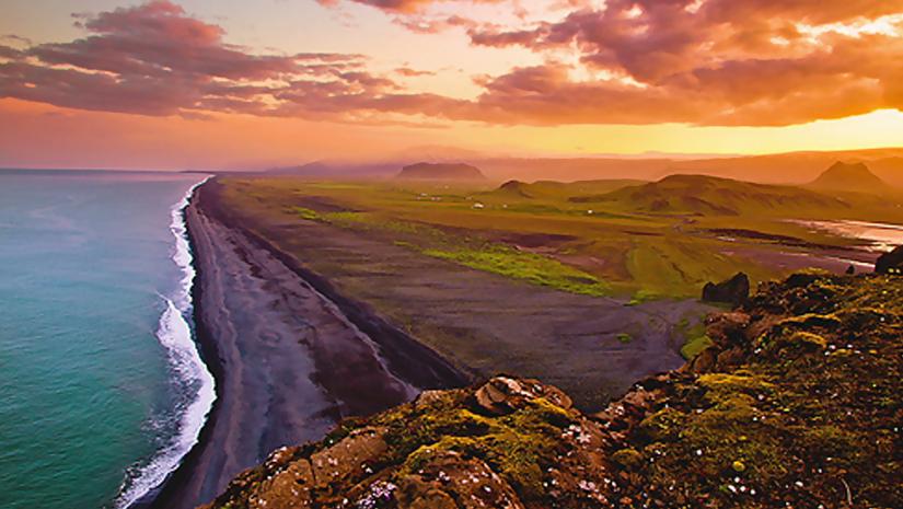 Iceland-The-Midnight-Sun