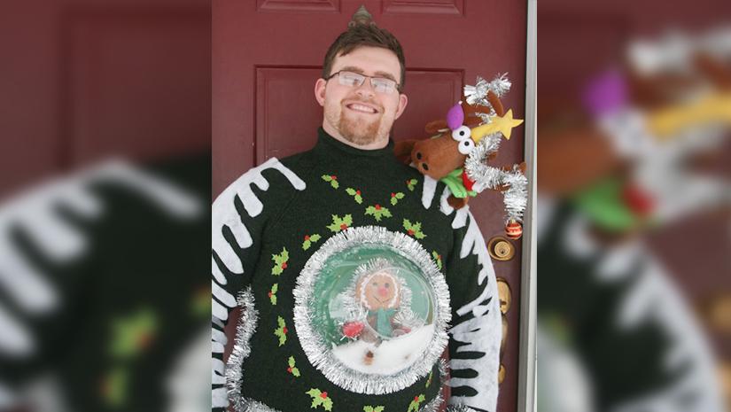Snow Globe Christmas Sweater 98