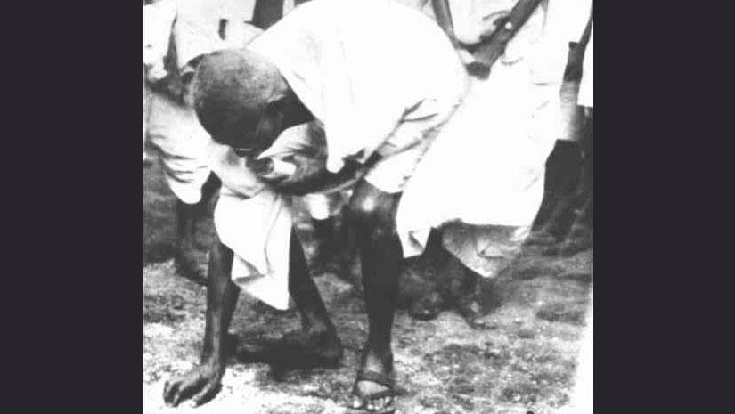 ghandi dandi salt march essay