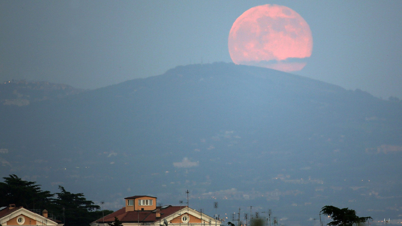 You Will Witness A Full Pink Moon In This April