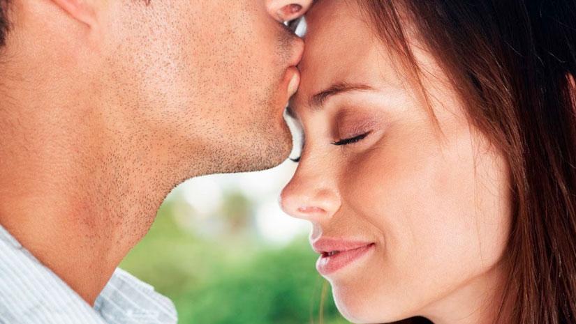 7 Wonderful Signs of True Love   FunBuzzTime com
