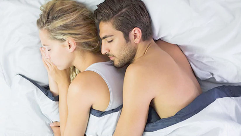 What Do These 6 Couple Sleeping Positions Reveal About Your Love