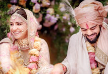 Kohli-Singing-Mere-Mehboob-for-anushka