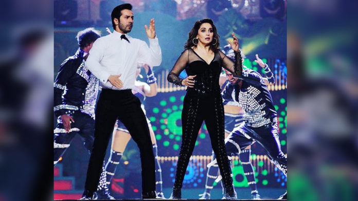 "Watch Madhuri Dixit And Varun Dhawan Dance To The Rhythm Of ""Tamma Tamma"" Song!"